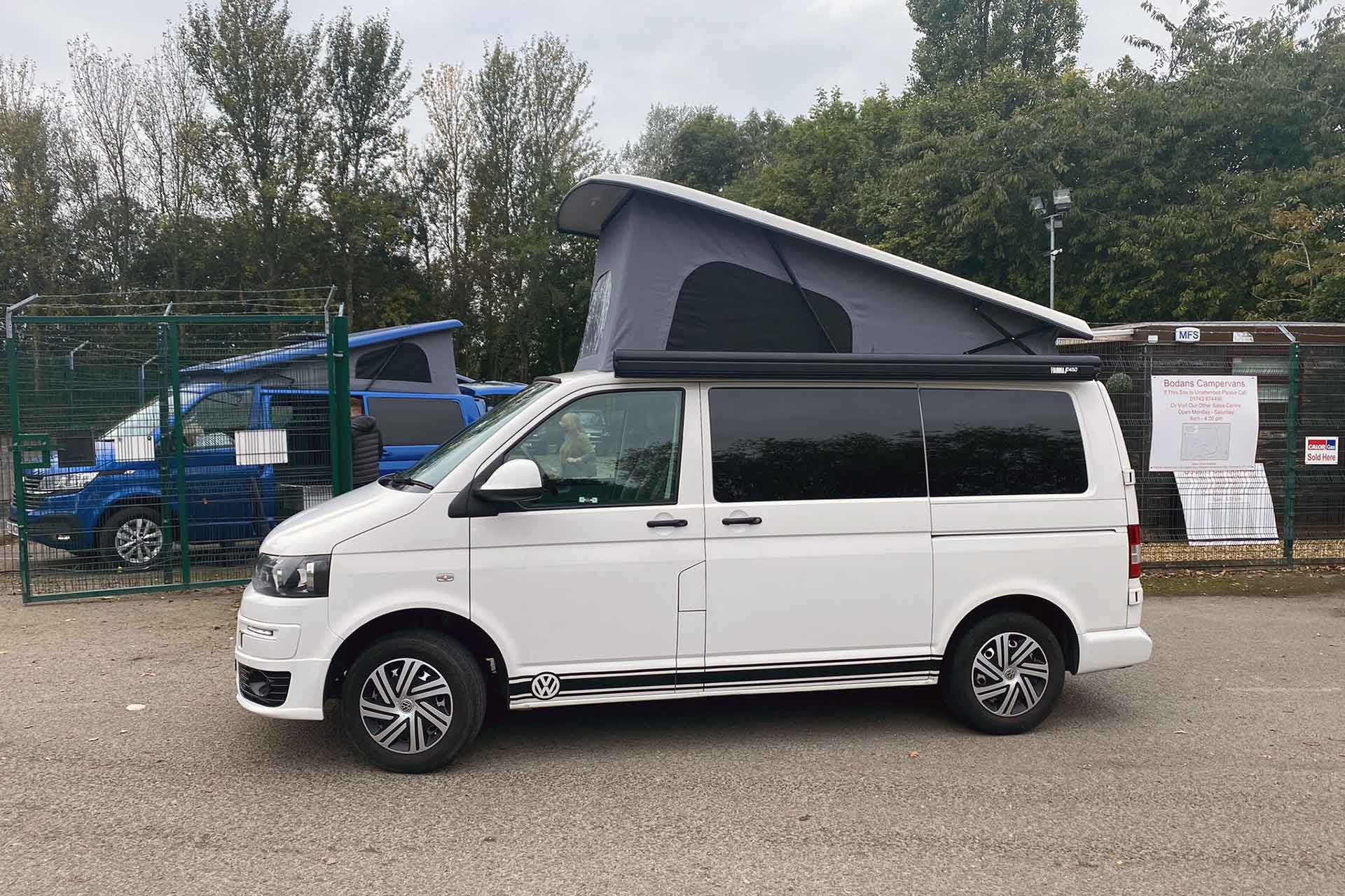 VW T5 With Elevating Roof